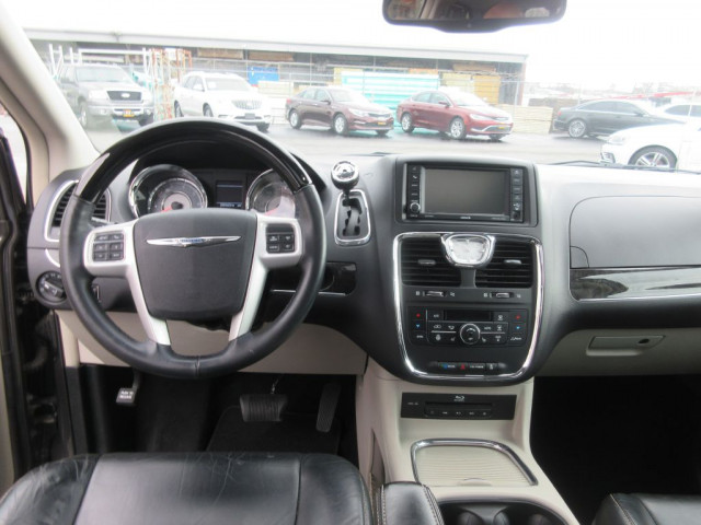 2016 CHRYSLER TOWN & COUNTRY - Image 20