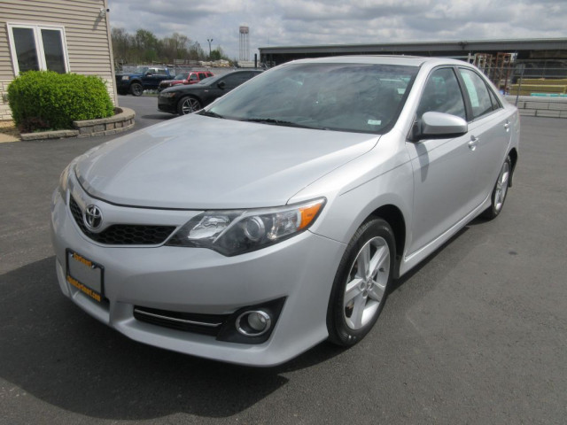 2012 TOYOTA CAMRY - Image 8