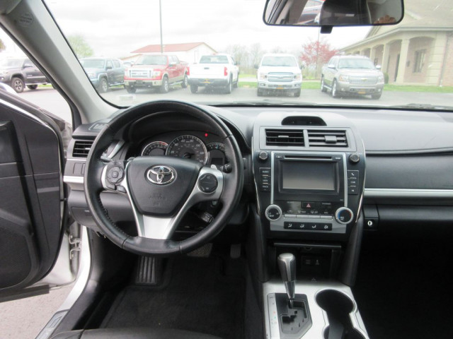 2012 TOYOTA CAMRY - Image 17