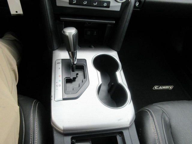 2012 TOYOTA CAMRY - Image 24