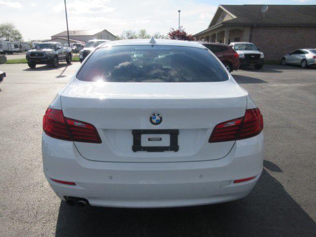 2016 BMW 528 - Image 4