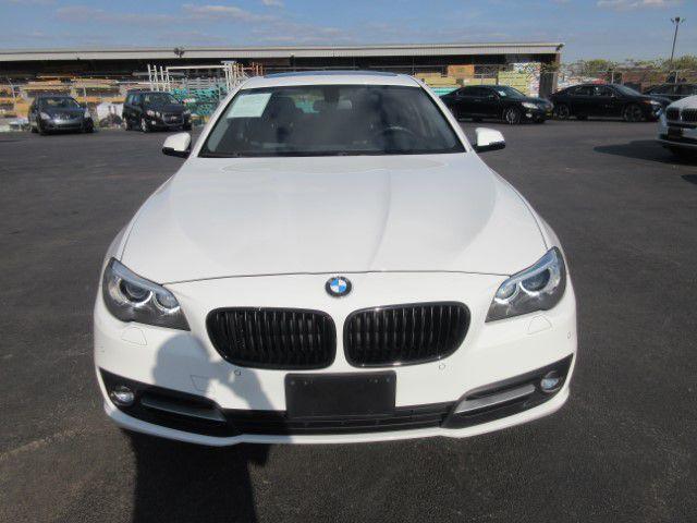 2016 BMW 528 - Image 8