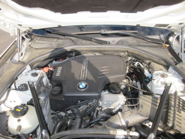 2016 BMW 528 - Image 9